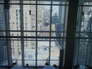 Jalousien hoch und Fenster auf - bevor es zu spät ist!