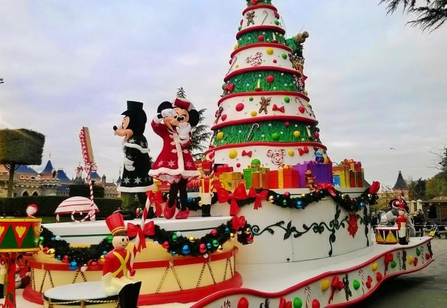 Wenigstens Minnie und Mickey feiern gemeinsam